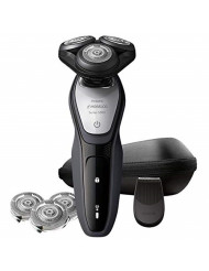 Norelco Wet & Dry Shaver 5200 Bonus Set with Travel Pouch and Additional Shaving Head Included